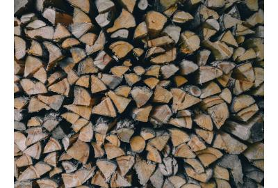 Ultra Dry: Why kiln-dried hardwood logs are superior